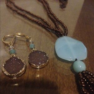 Bead necklace and earrings lot